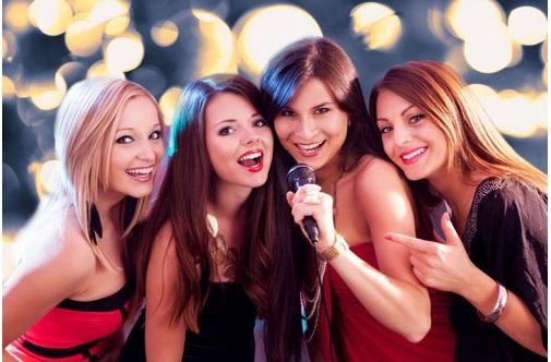 Micro hát kMicro không dây karaoke hát hay, giá rẻ nhất hiện nayaraoke hay  nhất hiện nay
